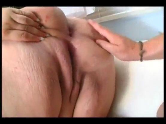 Perrito enorme culo gordo a cuatro patas
