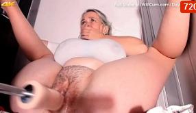 Coño grasiento orgasmos con máquina de follar