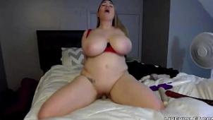 Adorable estrella del porno Cassandra Calogera