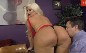 Julie Cash La reina gorda de culo grande